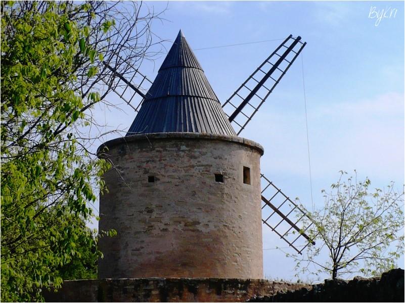 Le Moulin de Jérusalem à Goult (84) ...