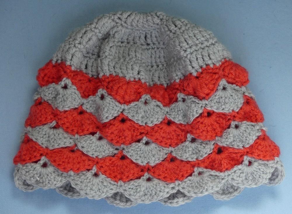 Trois autres bonnets pour notre opération caritative...