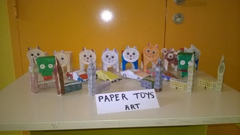 Les papers toys.
