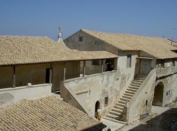 Le monastère forteresse de Strofades ...