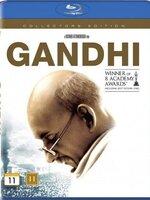"""Reconstitution historique à grand spectacle de la vie de celui que l'on surnomma le """"mahatma"""". La carrière de Gandhi comme avocat débute en Afrique du Sud où il défend les droits de la minorité indienne, ce qui a un grand retentissement dans son pays. Plus tard, dans ses luttes contre les Anglais, il prônera toujours la non-violence et usera essentiellement de l'arme de la grève de la faim."""