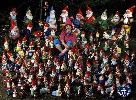 Ann Atkin : La plus grande collection de nains de jardin - Guinness ...