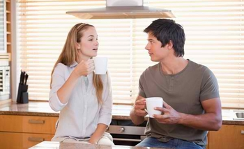 couple_chatting_kitchen_600x369