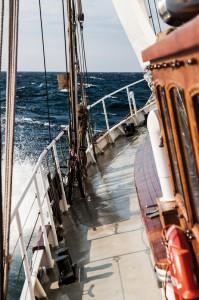 Société:  Des décrocheurs sur un voilier