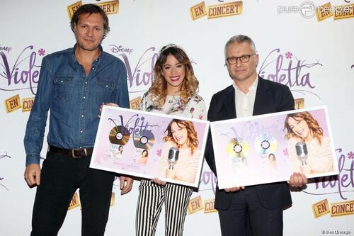 Exclusif, Martina reçoit un disque d'or!!!