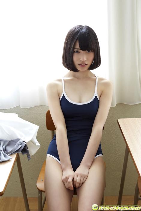 WEB Gravure : ( [DGC] - | 2017.06 | Riina Murakami/村上りいな : グミとアイドル大好きな美少女の制服物語! )
