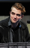robert-pattinson-072111-2