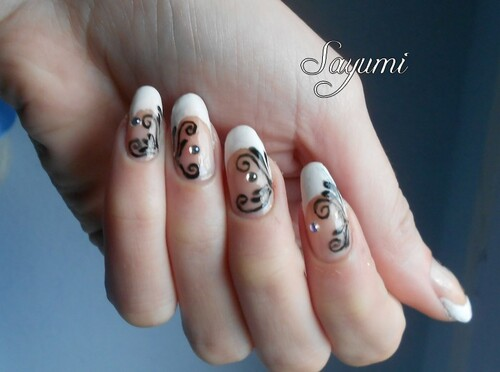 Nail Art French et Arabesques