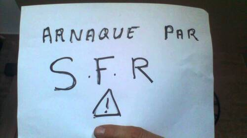 Comment résilier l'option Privilège activée d'office par SFR ?