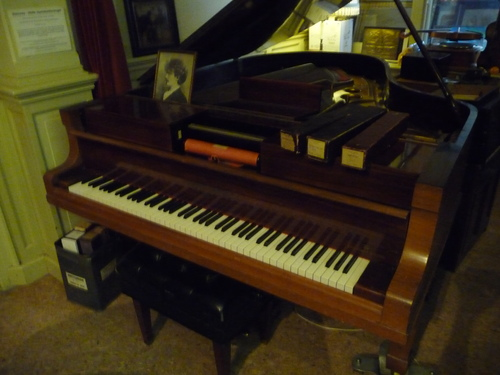 Bob visite le musée du pianola (Pianola Museum) à Amsterdam