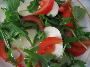 Mozza roquette tomate