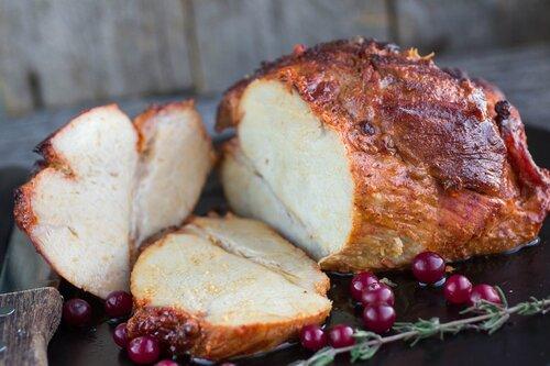Rôti de porc aux poires et aux airelles