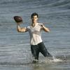 Photoshoot Taylor Lautner sur la plage