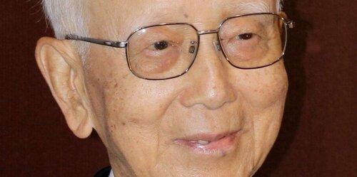 Raymond Chow, producteur qui a lancé Bruce et Jacky Chan ; meurt en 2018 âgé de 91 ans.