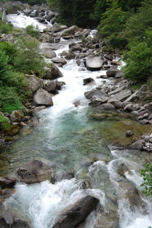 Les cascades autour du pont d'Espagne