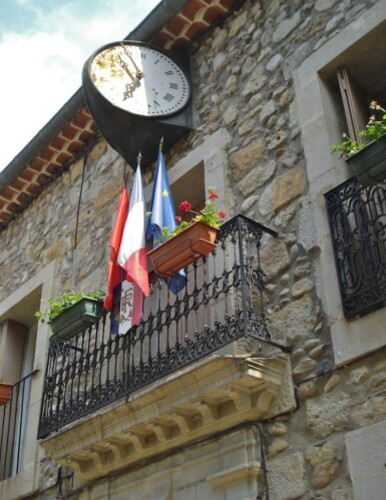 Les-Aires-horloge-mairie.jpg
