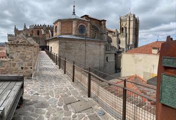 AVILA - muraille et cathédrale