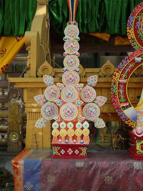 Bodhgaya; Mahabodhi temple; une fête se prépare