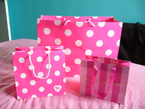 Shopping time @ Victoria's Secret!!