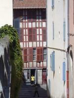 Rue Tombeloli