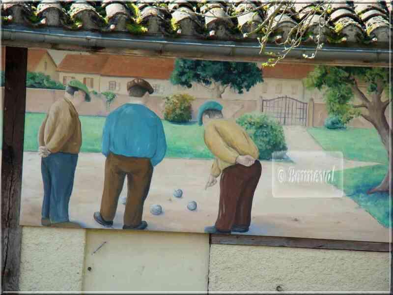 * Gers * trompe l'oeil sur le mur du boulodrome à Marciac