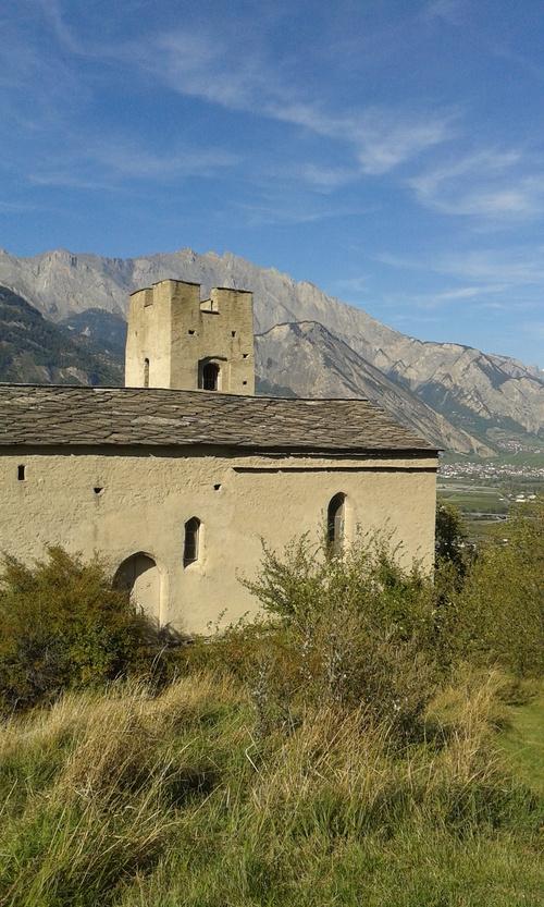 Sur le chemin de la tour, Saxon Valais.