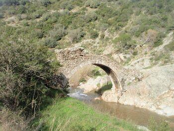 Le pont, vu de l'aval