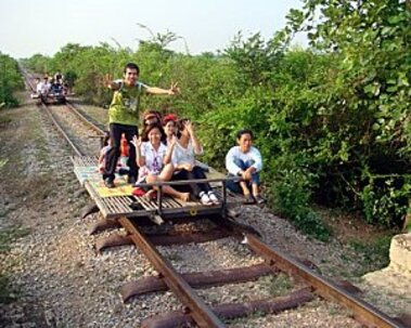 Cambodge - Le petit train de bambous