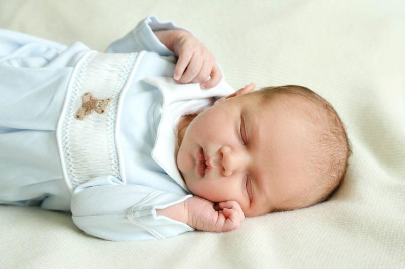 Prince Charles - Photos de Famille à la maternité
