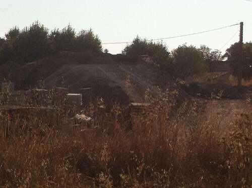 Maison ruinée autoroute et chantier : au fond d'un smak