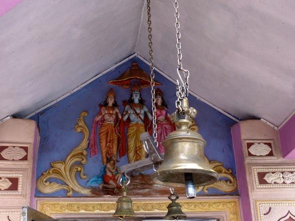 quelques vues du temple consacré au dieu singe Hanuman