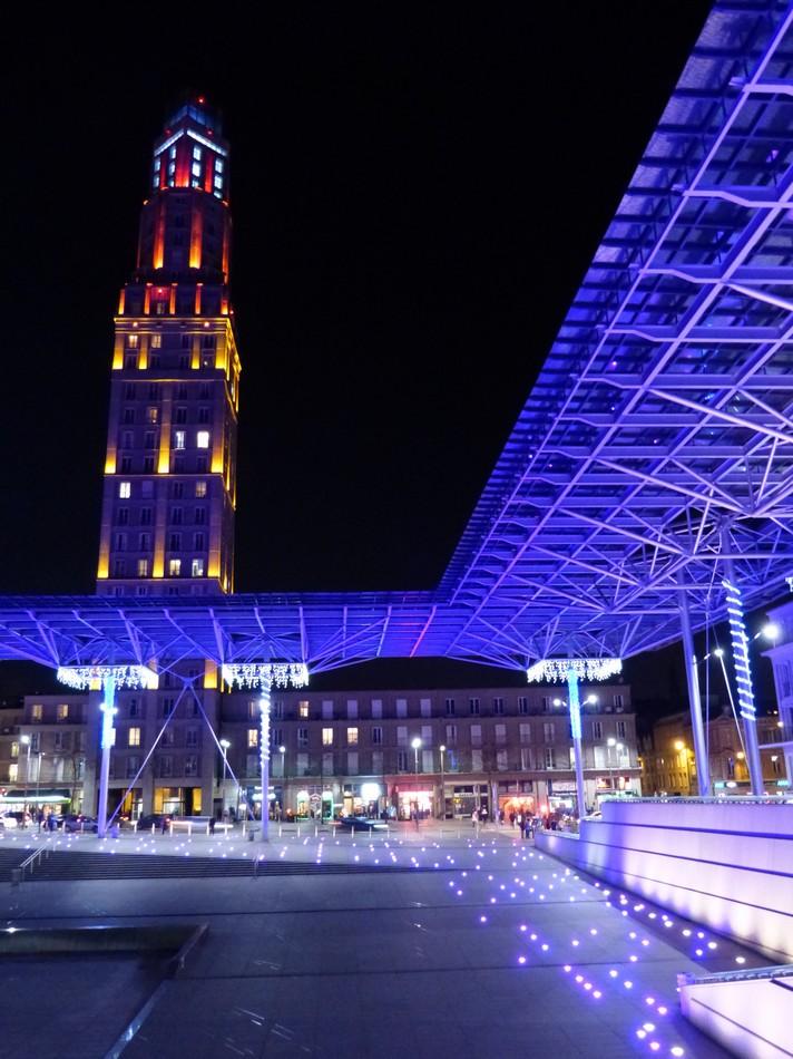 La gare d'Amiens, en couleur.