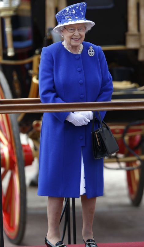 Elizabeth à trooping the color