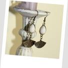 Boucles d'oreilles créateur cabochon et éventail couleur ivoire et bronze