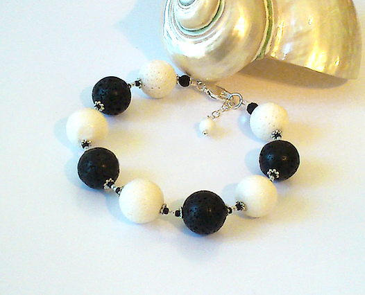 Bracelet boules Corail Blanc et Pierre de lave  Noire, Plaqué Argent et Argent 925
