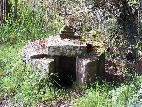 Champsac, fontaine Saint Roch