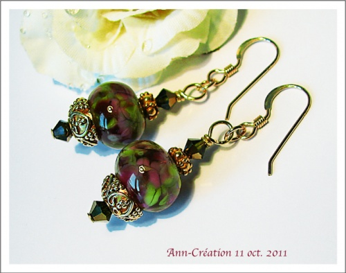 Boucles d'Oreilles Earrings Artistic Glass beads Vert Prune, Swarovski / Gold Filled
