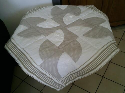 nappe en patchwork pour petite table