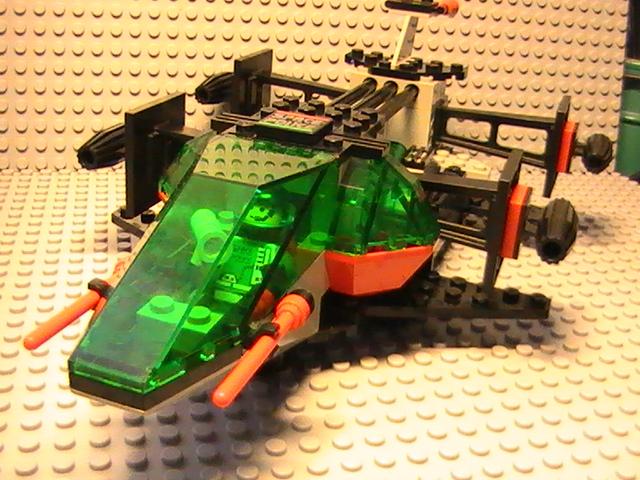 Légo Space police n° 6897 de 1992 - La capture du rebelle.