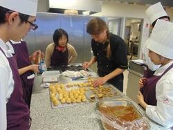 TP de pâtisserie des étudiants japonais