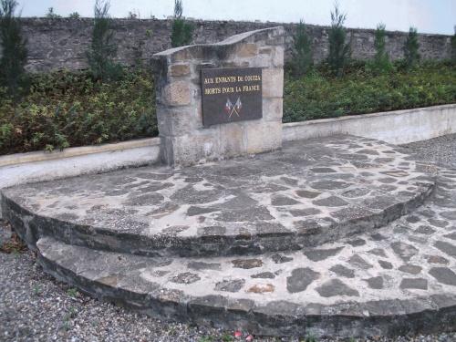 MONUMENTS A LA MEMOIRE DES COUIZANAIS