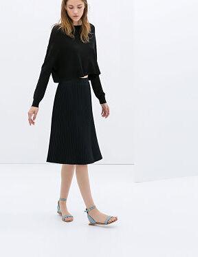 Jupes midi, vestes chanelisantes... du shopping chez Zara