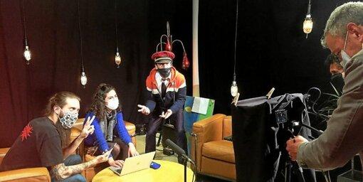 Les occupants du Grand Théâtre de Lorient diffuseront leur première émission dans le courant de la semaine sur leurs réseaux sociaux.