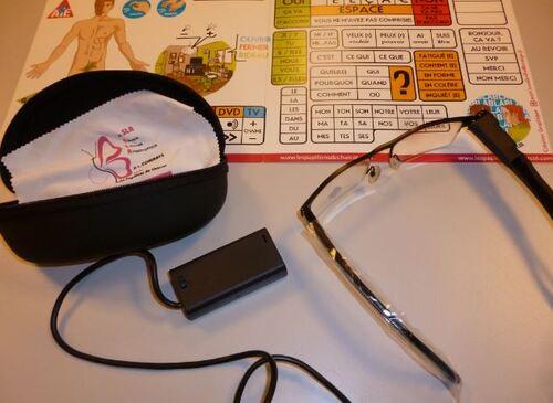 Kikoz : communication assistée par pointeur laser sur tableau de lettres ou pictogrammes