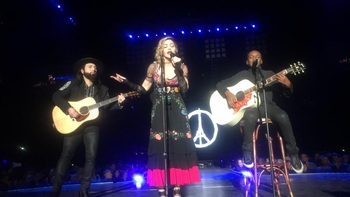 Rebel Heart Tour - 2015 12 09 Paris (9)