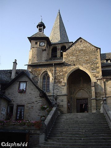 estaing4-eglise-c.jpg