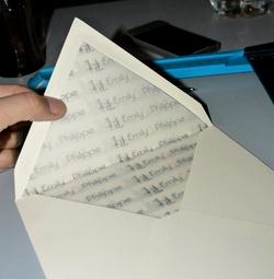 Mamzelle Garannce customise ses enveloppes