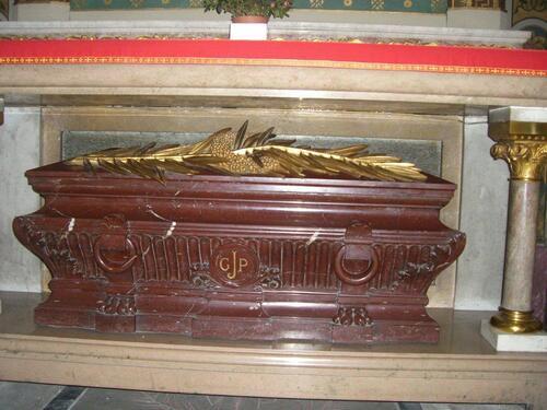 Tombeau de Saint Jean Gabriel Perboyre.
