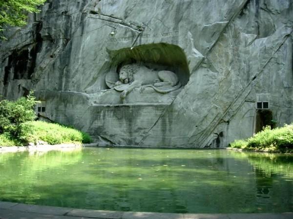 lion-de-Lucerne-suisse.jpg