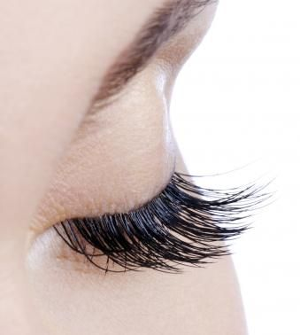 Idol Lash: Have More Alluring Eyelashes Naturally